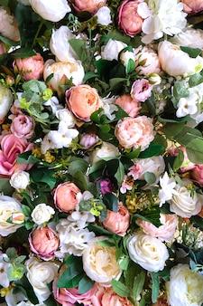 Mehrfarbige schöne kunstblumen