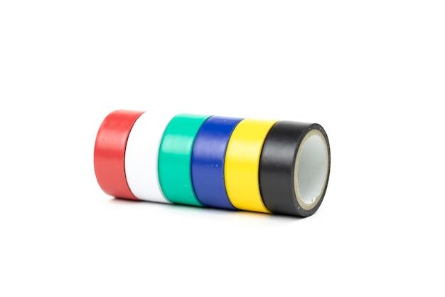 Mehrfarbiges klebeband in kleinen rollen für design und reparatur