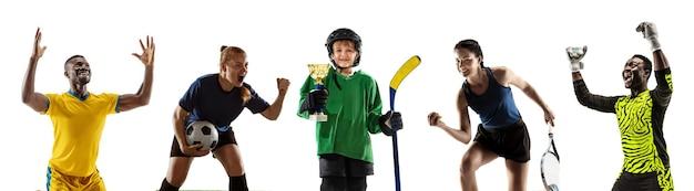Meister. porträt von jungen sportlichen leuten auf weißem hintergrund. flyer, kunstcollage aus 5 modellen. konzept der menschlichen emotionen, gesichtsausdruck, verkauf, sport, anzeige. tennis, hockey, fußball, fußball