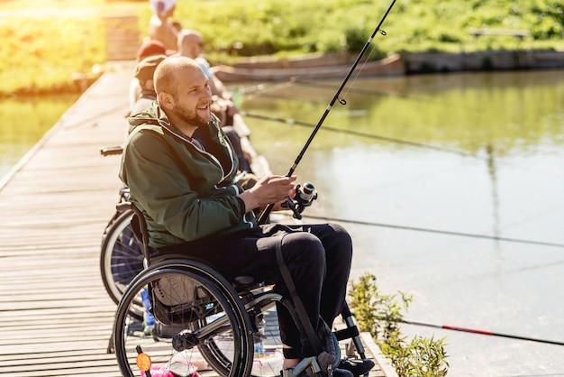 Meisterschaft im sportfischen unter menschen mit behinderungen.