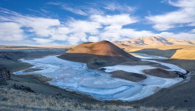 Meke-kratersee in konya - türkei