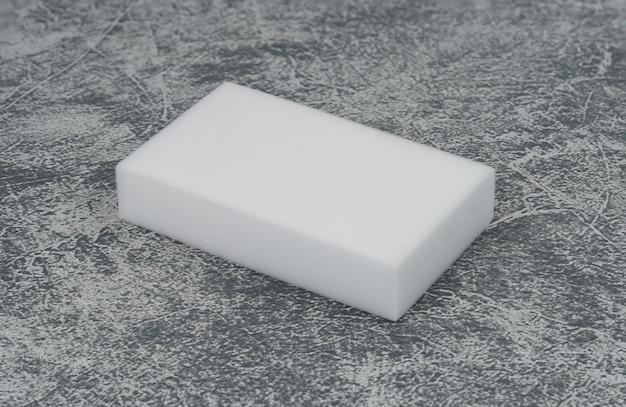 Melaminschwämme auf dem dachboden Premium Fotos