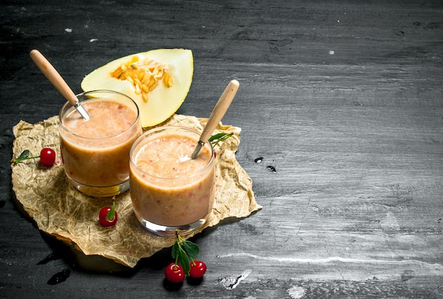 Melone und kirschen smoothies