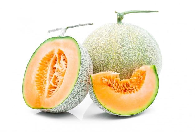 Melonenfrucht auf einem weißen hintergrund