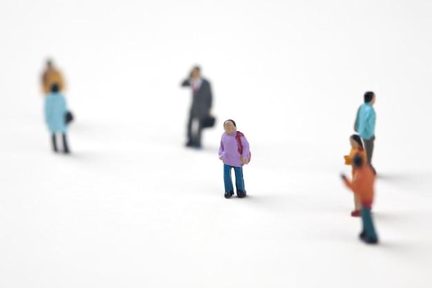 Menge der miniaturleute in der stadt