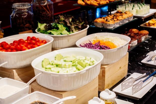 Menschen hotel köstliche fleisch tisch