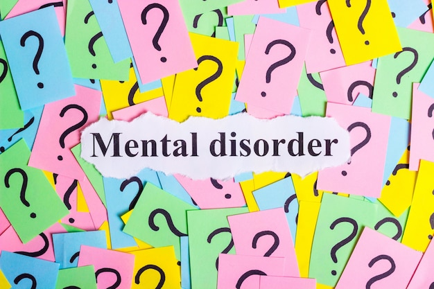 Mental disorder syndrome-text auf bunten haftnotizen