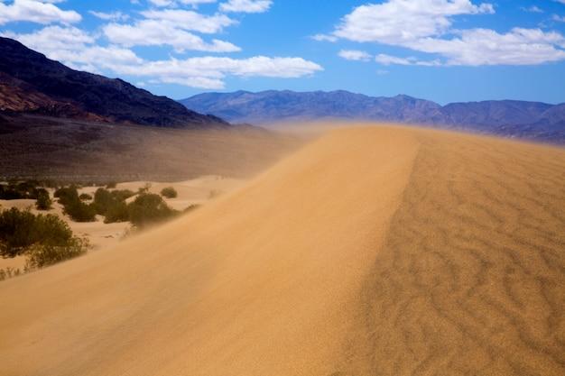 Mesquite dunes desert im death valley-windsturm