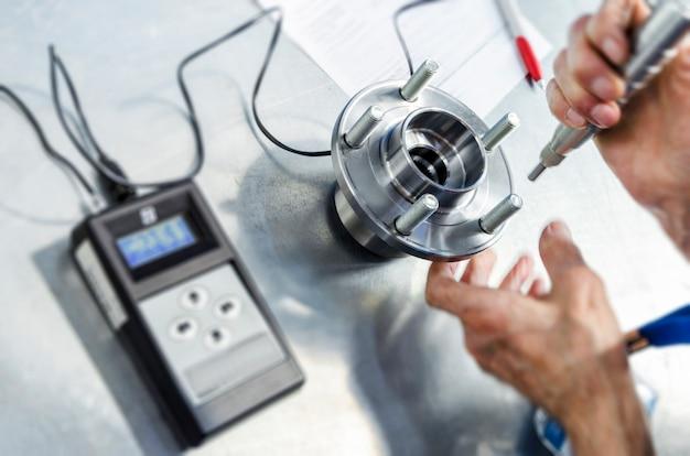 Messung der physikalischen parameter des hubs