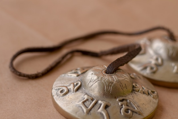 Metall antikes musikalisches schlaginstrument tingsha