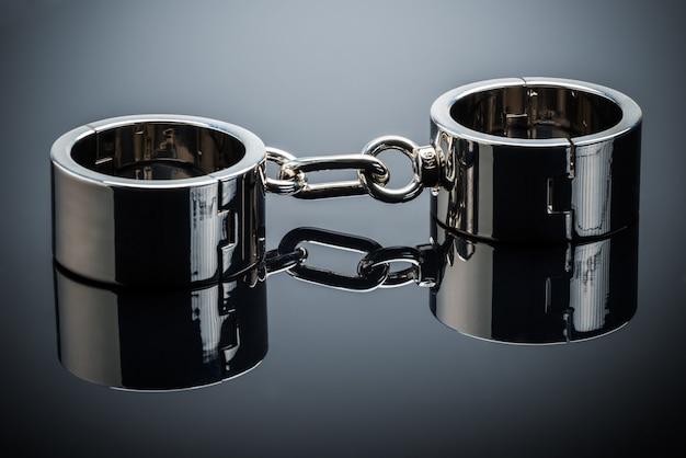 Metallic eisen chrom handschellen