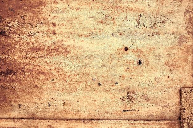 Metallstruktur, rostiges metall mit abblätternder farbe, metallstücke mit schweißnähten. hintergrund, kopierraum.