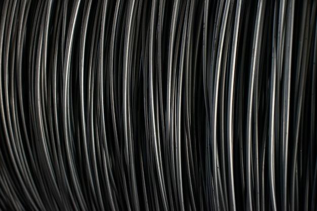 Metallurgische produktion. drahtstangen oder spulen für den industriellen einsatz.