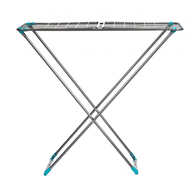 Metallwäschetrockner lokalisiert auf weiß