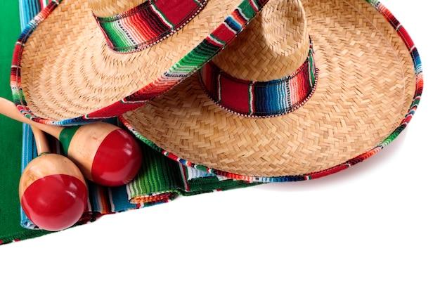 Mexikanische decke und sombreros