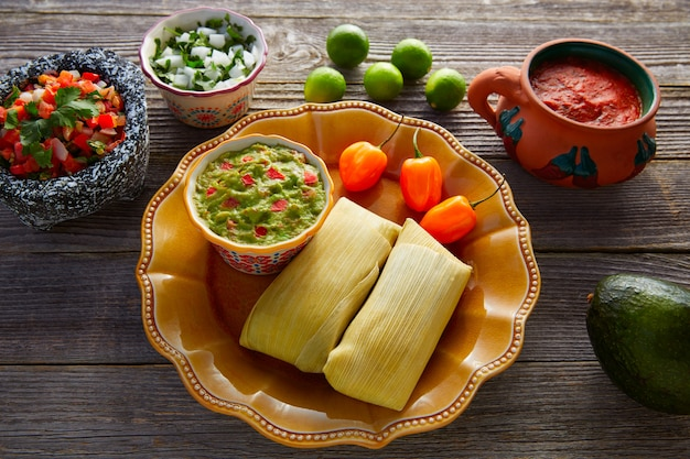 Mexikanische tamale tamales von maisblättern