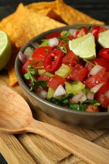 Mexikanisches food-konzept mit pico de gallo, nahaufnahme