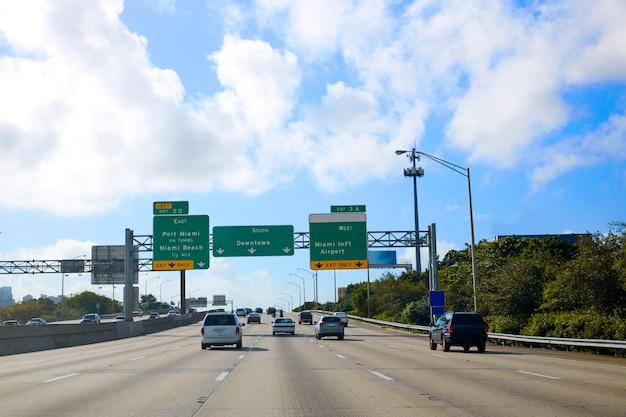 Miami florida verkehrsschild nach downtown us