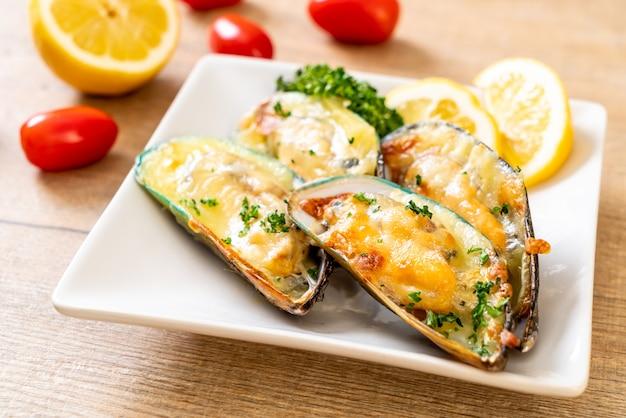 Miesmuschel mit käse überbacken