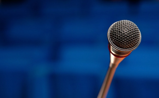 Mikrofon im konferenzsaal