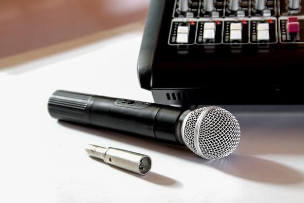 Mikrofon und mixer