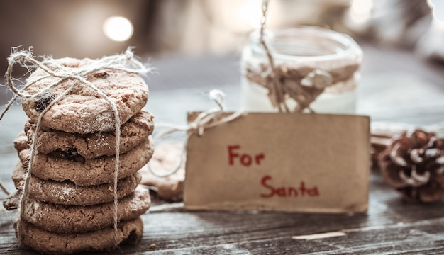 Milch und kekse für den weihnachtsmann