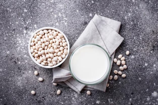 Milchfreie laktosefreie sojabohnenmilch