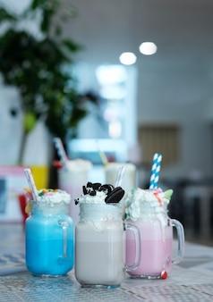 Milchshakes mit süßigkeiten
