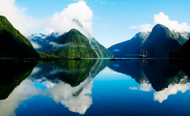 Milford sound, fjordland, neuseeland.