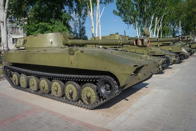 Militärfahrzeuge hergestellt in der sowjetunion