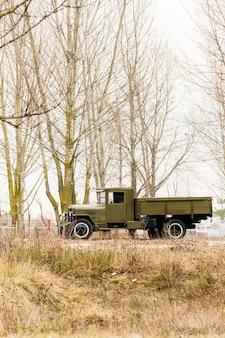 Militärlastwagen des zweiten weltkriegs