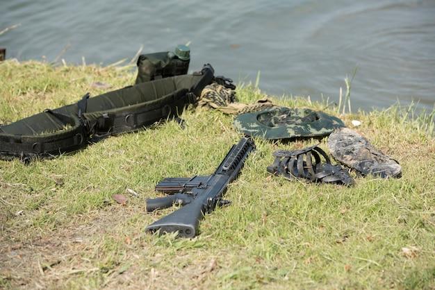 Militäruniform in tapete.