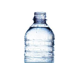 Mineralwasser in flaschen