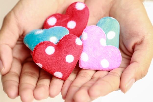 Mini handgemachtes herz für dekorationen