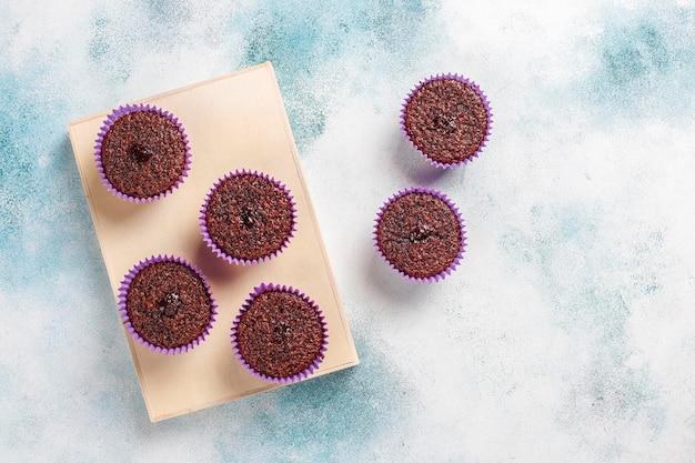 Mini-schokoladen-sufle-cupcakes