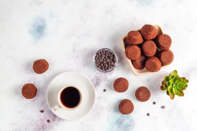 Mini schokoladenkuchen.