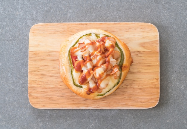 Mini wurst pizza