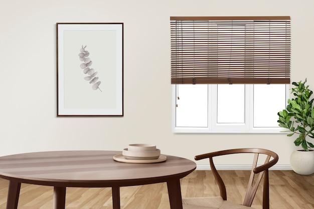 Minimales authentisches esszimmer-innendesign mit bilderrahmen