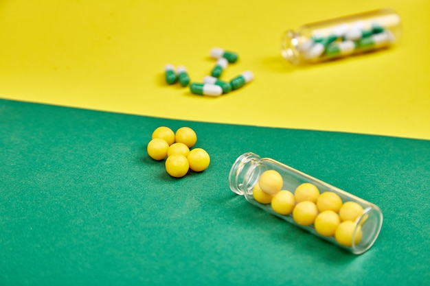 Minimalismusartschablone für blog der medizinischen pillen.