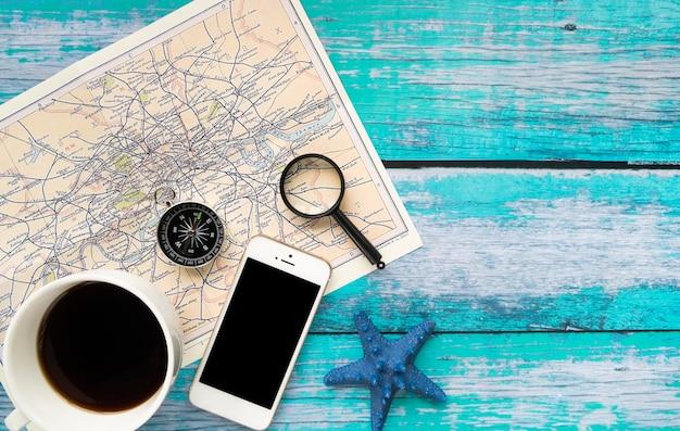 Minimalistisches zubehör für die reise