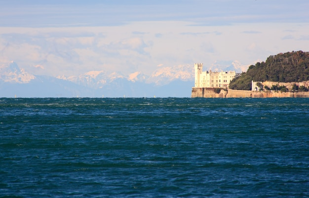 Miramare schloss in triest