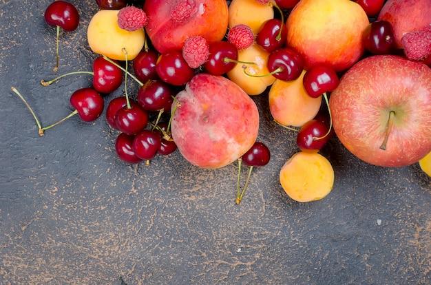 Mischte viele verschiedene saisonfrüchte