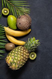 Mischung aus tropischen früchten