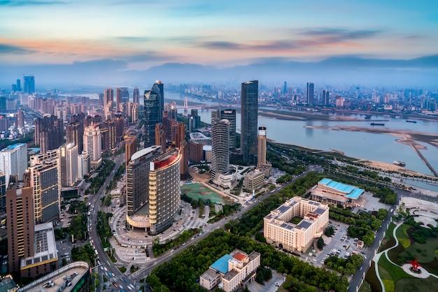 Mit blick auf die nachtansicht von nanchang, provinz jiangxi