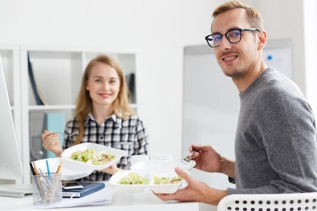 Mittagessen von kollegen