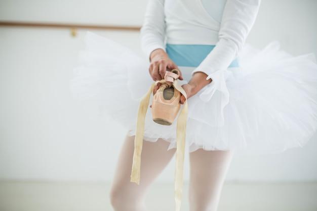 Mittelteil der ballerina mit ballettschuhen