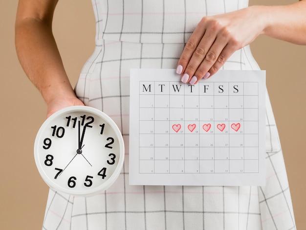 Mittlere aufnahme des kalenders der monatszeit