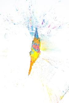 Mix aus gelben, rosa, orange und blauen trockenfarben