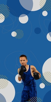 Mma. der professionelle junge boxer, der auf blauem studiohintergrund mit geometrischem stil isoliert ist, vertikaler flyer mit exemplar für werbung. konzept für sport, wettbewerb, aufregung und menschliche emotionen.