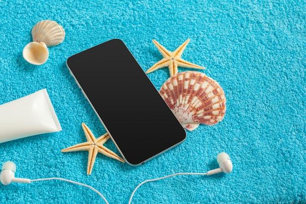 Mobiles gadget-thema für den sommer